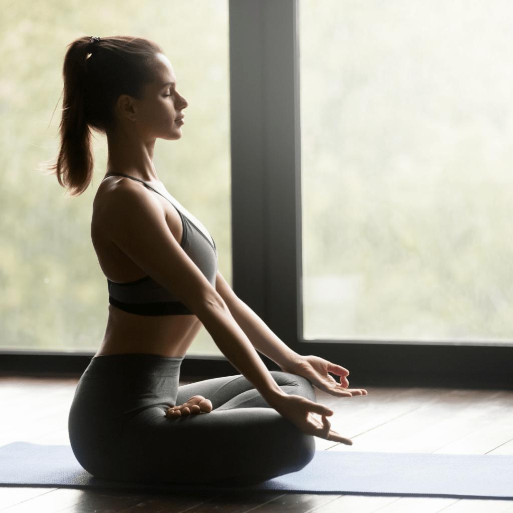 Yoga Hypothyroidism vs Hyperthyroidism